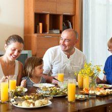 Bendras valgymas stiprina šeimą: taisyklės yra itin naudingos