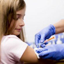 UNICEF: dėl koronaviruso tėvai priversti praleisti vaikų skiepijimą
