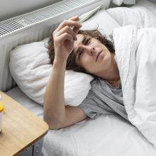Gripas, COVID-19 ar erkinis encefalitas? Apie šias ligas gali pranešti panašūs simptomai