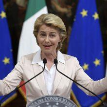 Išrinktoji EK vadovė ragina Europą keisti prieglobsčio prašymo taisykles