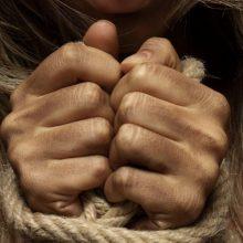 Seimo kontrolierius nepritaria siūlymui įstatyme atskirai išskirti smurtą prieš moteris