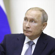 V. Putinas žada stengtis atkurti ryšius su Kijevu