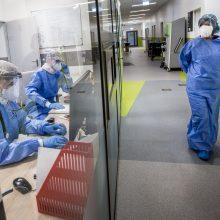Abu nauji koronaviruso atvejai susiję su Santaros klinikomis