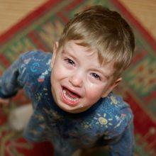 Laikinoji globėja penkiametį laikė rūsyje, keikė ir net grasino?