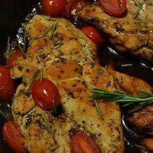 Kokią geriau rinktis: fasuotą ar sveriamą paukštieną? (receptas)