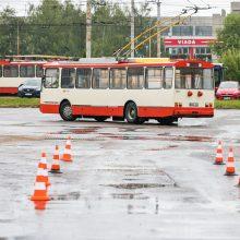 Sostinės viešojo transporto vairuotojai varžėsi meistriškumo varžybose