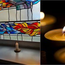 Nusižudžiusiai medikei atminti – liepsnojančios žvakutės