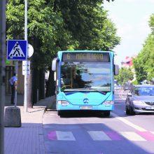 Taikos prospekte – girto maršrutinio autobuso vairuotojo pavojingi manevrai