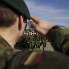 Šauktiniai ir toliau vengia kariuomenės: nubausta beveik 7 tūkst. vyrų