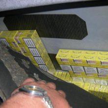 Rusijos piliečio fiasko: pareigūnai aptiko paslėptus kontrabandinius rūkalus
