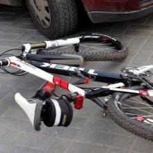 Nelaimės keliuose tęsiasi: Radviliškyje avariją sukėlė girtas dviratininkas