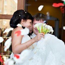Lietuviai sudaro vis daugiau vedybų sutarčių: Bažnyčia įspėja – santuoka negalioja