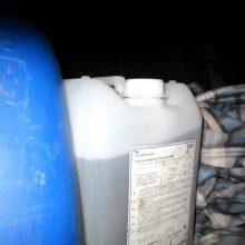 Klaipėdos rajone vyras vežė naminę degtinę: bagažinėje – 30 litrų skysčio