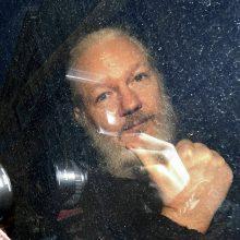 Pasirašytas sprendimas dėl J. Assange'o išdavimo JAV, jį dar svarstys teismas