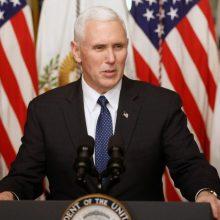 JAV viceprezidentas: D. Trumpas prašė R. T. Erdogano sustabdyti invaziją į Siriją
