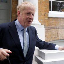 Jungtinės Karalystės konservatoriai renka naują lyderį: pirmauja B. Johnsonas