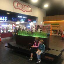 "Lankytojai nustėro: kino teatre ""Cinamon"" alkoholis liejasi laisvai"