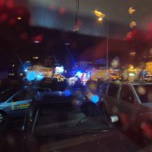 Policija prašo pagalbos paieškose: vairuotojas perėjoje partrenkė mažametę ir pabėgo