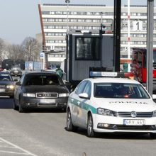 Grįžusius keltu į Klaipėdą pasitiko ginkluota palyda