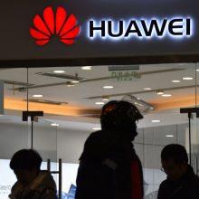 """""""Huawei"""" krizė – """"Google"""" apribojo prieigą prie """"Android"""": kas keisis naudotojams?"""