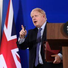 """B. Johnsonas sieks įtikinti parlamentą paremti """"Brexit"""" susitarimą"""