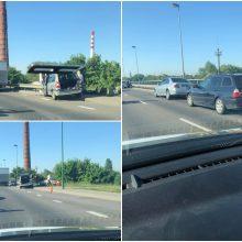 Masinė avarija ant Mokyklos gatvės viaduko: susidūrė penki automobiliai