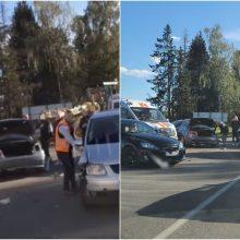 Vilniaus rajone BMW sukėlė avariją: per susidūrimą nukentėjo nepilnametis