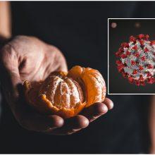 Mįslinga istorija: vyras koronavirusu užsikrėtė nuo mandarino?