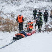 Skuodo rajone gyventojai išgelbėjo tvenkinyje skendusį vyrą
