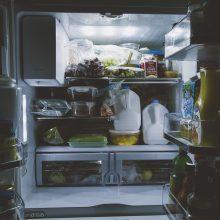 Tvarka šaldytuve: kaip laikyti produktus, kad šie ilgiau išliktų švieži?