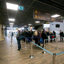 Kauno oro uoste teko tramdyti tris girtus keleivius: plūdosi keiksmais