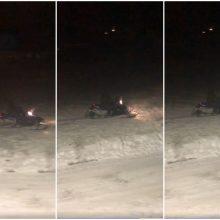 Uostamiesčio gyventojus iš proto varo sniego motociklai: garsas išvertė iš lovų
