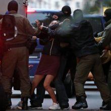 Baltarusijoje sekmadienį per protesto akcijas sulaikyta per 200 žmonių