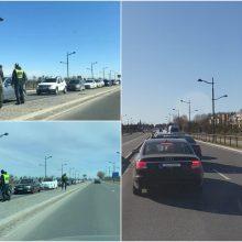 Pareigūnams jau netrūksta darbo: prie įvažos į Palangą – automobilių eilės