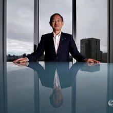 Japonijos premjero postas prognozuojamas kabineto atstovui Y. Sugai