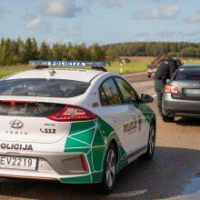 Pajūryje į kovą su pažeidėjais – elektromobiliu: greičio mėgėjus fiksuoja šimtais