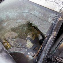 Gargžduose liepsnojo automobilis: gaisras vos nepersimetė į gyvenamąjį namą