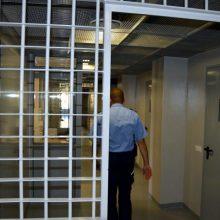Pareigūnai sulaikė įtariamuosius bandymu perduoti narkotikus į įkalinimo įstaigą