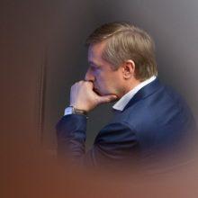 """R. Karbauskis """"tvarkiečiams"""" ruošia gelbėjimo ratą: """"paskolins"""" Seimo narį?"""