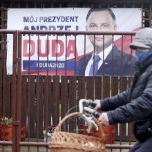 Apklausos: Lenkijos prezidento pergalė rinkimuose nebėra užtikrinta