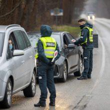 Klaipėdos apskrityje patikrinti 1449 automobiliai: užfiksuota ir karantino sąlygų pažeidimų