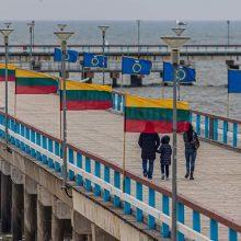 Palanga pasipuošė vėliavomis: minima spalvinga sukaktis