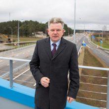 """J. Narkevičius: bendras """"Rail Baltica"""" valdymo modelis kelia grėsmę jo tęstinumui"""