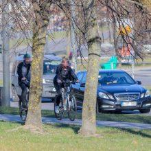 """Neringos pareigūnų """"laimikis"""": įkliuvo vogtus dviračius vežusi pora"""
