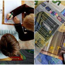 Valdžios pažadai: skurdžioms šeimoms šalia vaiko pinigų – papildoma išmoka