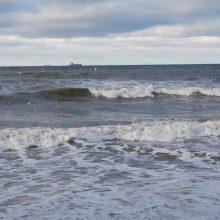 Užfiksuota tarša: Baltijos jūroje ir vėl išsiliejo nafta