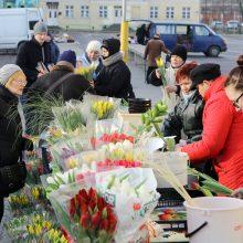 Uostamiestį užplūs gėlių pardavėjai