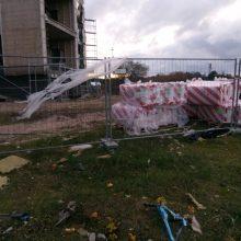 Statytojų elgesys gyventojus varo į neviltį: Šventosios uostas skendi šiukšlėse