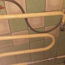Vonios patalpoje – netikėtas radinys: gyventojas savavališkai naudojo vandenį?