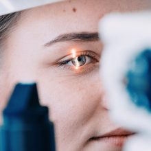 Lietuvoje jau taikomas moderniausias akių drumsčių gydymo metodas